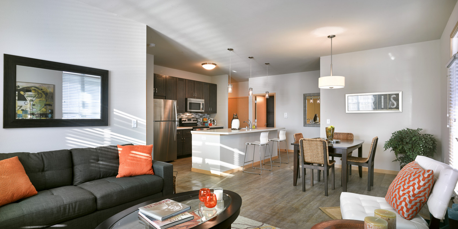 Turnberry Apartments open concept kitchen and dining area